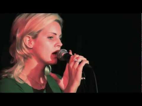 #09 Lizzy Grant
