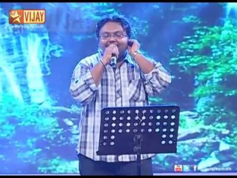 Music Composer Imman sings Onnum Puriyala from Kumki.