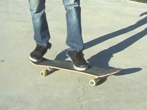Cómo hacer trucos en patineta : Cómo hacer un kickflip en patineta
