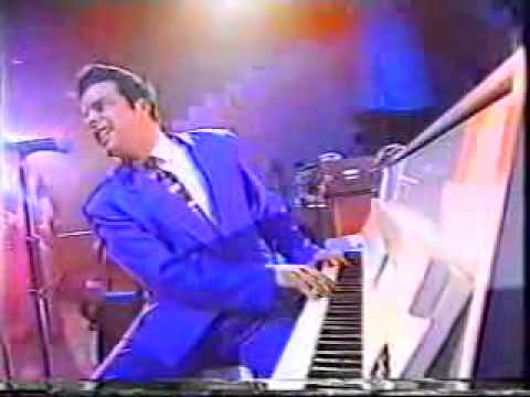 THE BIG TOWN PLAYBOYS ON JOOLS HOLLAND SHOW c1990