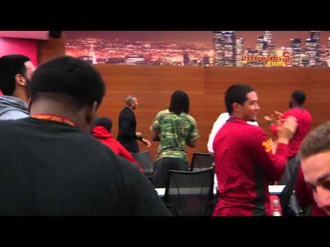 Dr. Dre - Dr. Dre Gives USC Football Team A Pep Talk