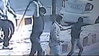 Caught on Camera: Samajwadi Party MLA's supporters thrash toll plaza employees - NDTVINDIA