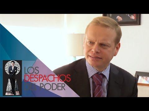 Los despachos del Poder - Arturo Escobar
