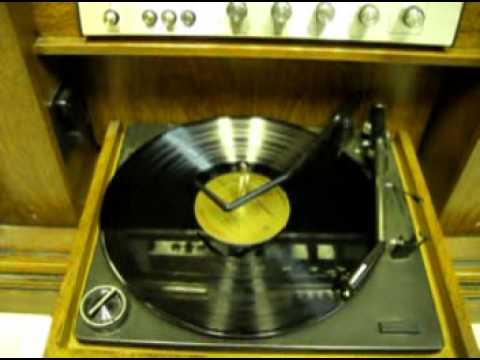 1976 Magnavox console stereo
