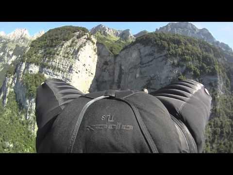 Wingsuit, czyli ludzkie latanie. Zapiera dech w piersiach