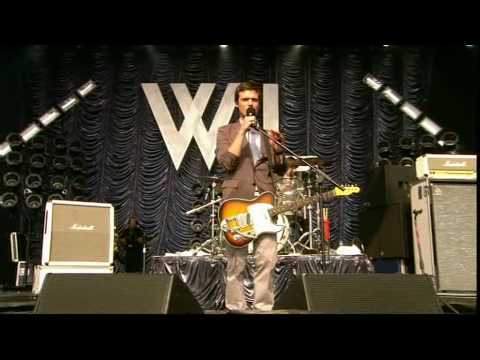 To Lose My Life - White Lies - Glastonbury 09 (Part 1 of 7)