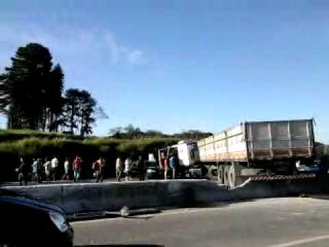 Acidente na Raposo Tavares km 39 - 30.04.11