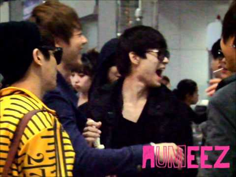 120405 Minho&amp;Hongki Suvanabhumi Airport