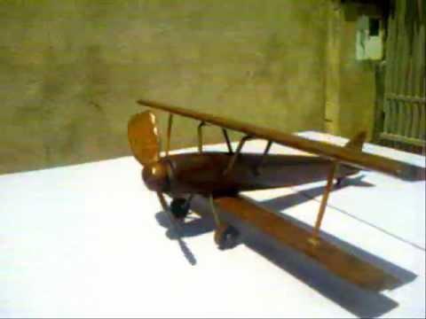 avião  madeira 100% reciclada.wmv