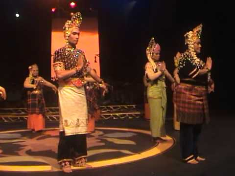 Mak Yong 2011 - Raja Bongsu Sakti by Faculty of Music (Part 1)