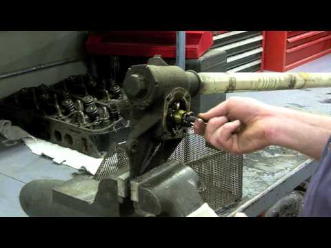 Solid axle C1 1962 Corvette steering gear box rebuild Part 1