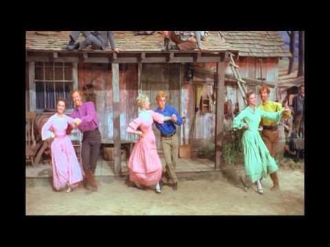 """Scena wznoszenia stodoły z musicalu """"Siedem narzeczonych dla siedmiu braci"""""""