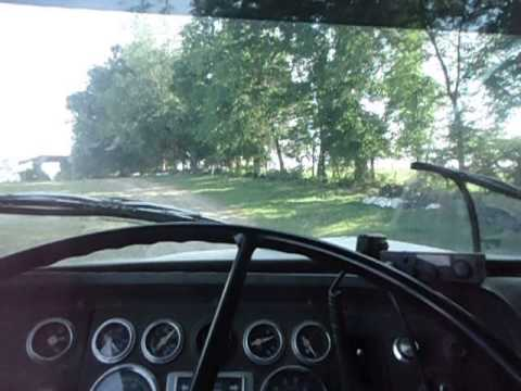 L10 CUMMINS in Ford L9000 hauling hay
