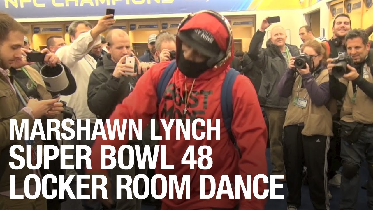 Marshawn Lynch dancing to Livewire in the Super Bowl locker room (Video)