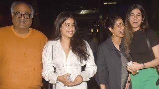 Janhvi, Khushi, Sridevi and Boney Kapoor step out for a family dinner - TIMESOFINDIACHANNEL