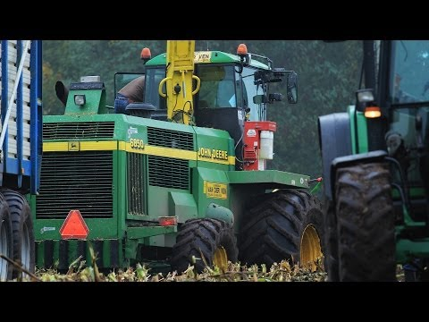 John Deere 6850 | Stuck in the mud | Modderen in de mais | Maize | Harvesting | Chopping | Insilato