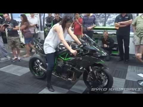 Kawasaki H2R (Track Version) Exhaust Sound