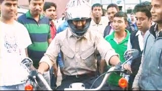 MS Dhoni takes a ride on his Harley Davidson - NDTV