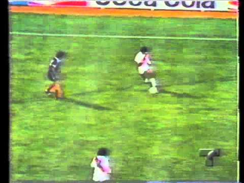 Cesar Cueto Teofilo Cubillas y Jose Velasquez el mejor mediocampo del Mundo 