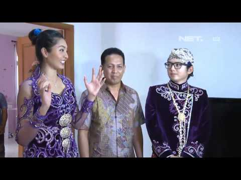 Entertainment News - Nicky Tirta dan Liza Elly fitting baju pengantin jawa modern