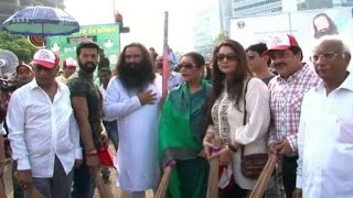 Poonam Dhillon, Udit Narayan join cleanliness drive - IANSINDIA