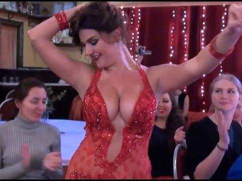 مش صافيناز .رقص شرقي مصري .Hot Belly Dance - مزيكونا كليب