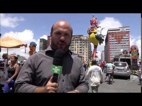 O Galo Gigante montado no Centro do Recife - Carnaval 2015
