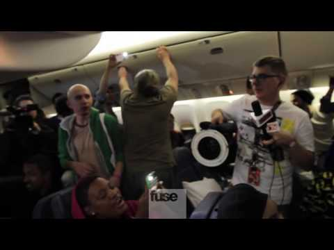 Streaker on Rihanna&#039;s 777 Tour Plane! - Rihanna 777 Tour Day 5
