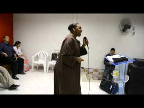 Cantora Elaine Martins - Mini Vigília Ardendo em Fogo