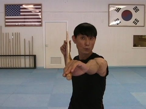 Martial Arts Bo Staff Techniques #5 : Helicopter Spin (taekwonwoo)