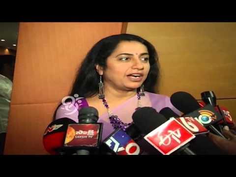 Actress Suhasini Maniratnam Speaks to Media at Antaram - 99tv