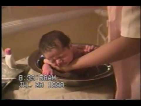Arquivo JN: nasce Sasha, filha da apresentadora Xuxa