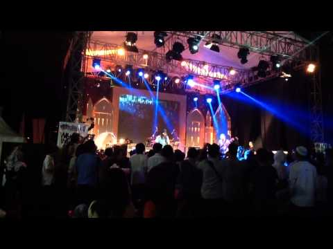 "Gugun Blues Shelter - ""Give Your Love"" @ Ramadhan Jazz Festival 2014"