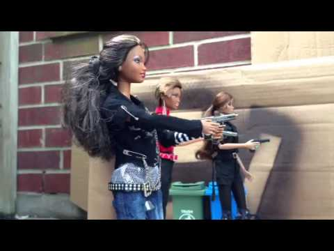 Plastic Revenge (Barbie stop motion)