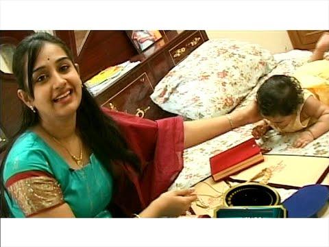 Telugu Actress Laya with her Cute Daughter