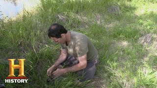 Alone: Dave Goes Hunting (Season 5, Episode 2) | History - HISTORYCHANNEL