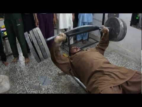 pick 110 kg wait from 2 little fige luqman body builder darya khan0308 3284149 pakistan