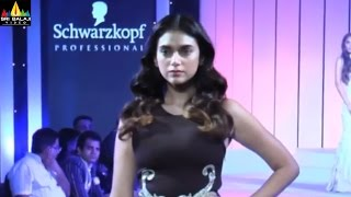 Aditi Rao Hydari walks the ramp for Schwarzkopf Originals | Sri Balaji Video - SRIBALAJIMOVIES