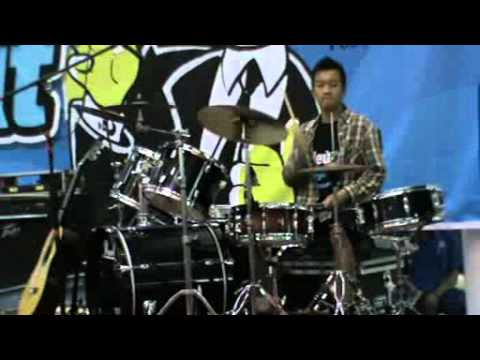 Purwa Caraka Music Studio Batam New Spirit Concert (Okta Drum )playing Mario Bros ( Vadrums Cover )