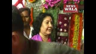 Geeta Reddy visits Bhagya Laxmi temple Charminar on Devali 2014 - THENEWSWALA