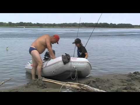 рыбалка на сома на волге видео с берега