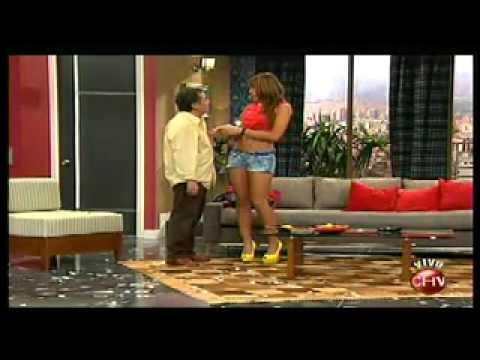 Teatro en Chilevisión: La mujer perfecta Acto 1, Dinamita Show - 04/08/2012