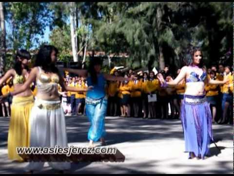 Danza Arabe para maestros y preparatorianos