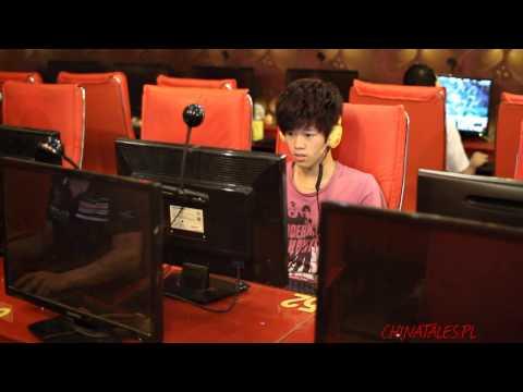 W Chinach kafejki internetowe mają się dobrze.