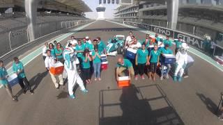فريق حلبة ياس مارينا يقبل تحدي وعاء الماء المثلج