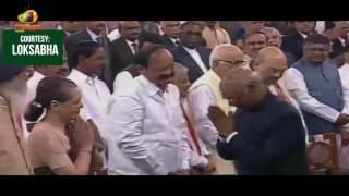President Ram Nath Kovind Meet The Parliament Members After His Oath Taking Ceremony | Mango News - MANGONEWS