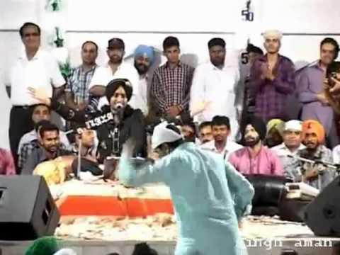 Money rain on satinder sartaj by Baba gurdas maan live in nakodar