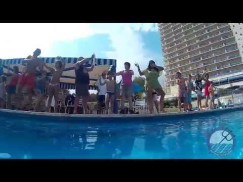 Nuestra Mascota Pulpi baila en el Hotel Poseidon Playa de Benidorm