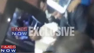 Delhi Minister Imran Hussain Thrashed By Officials In Secretariat I Exclusive Footage - TIMESNOWONLINE
