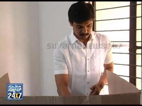 M Krishnappa cast his vote with family - ನ್ಯೂಸ್ ಹೆಡ್ಲೈನ್ಸ್ News bulletin 17 Apr 14